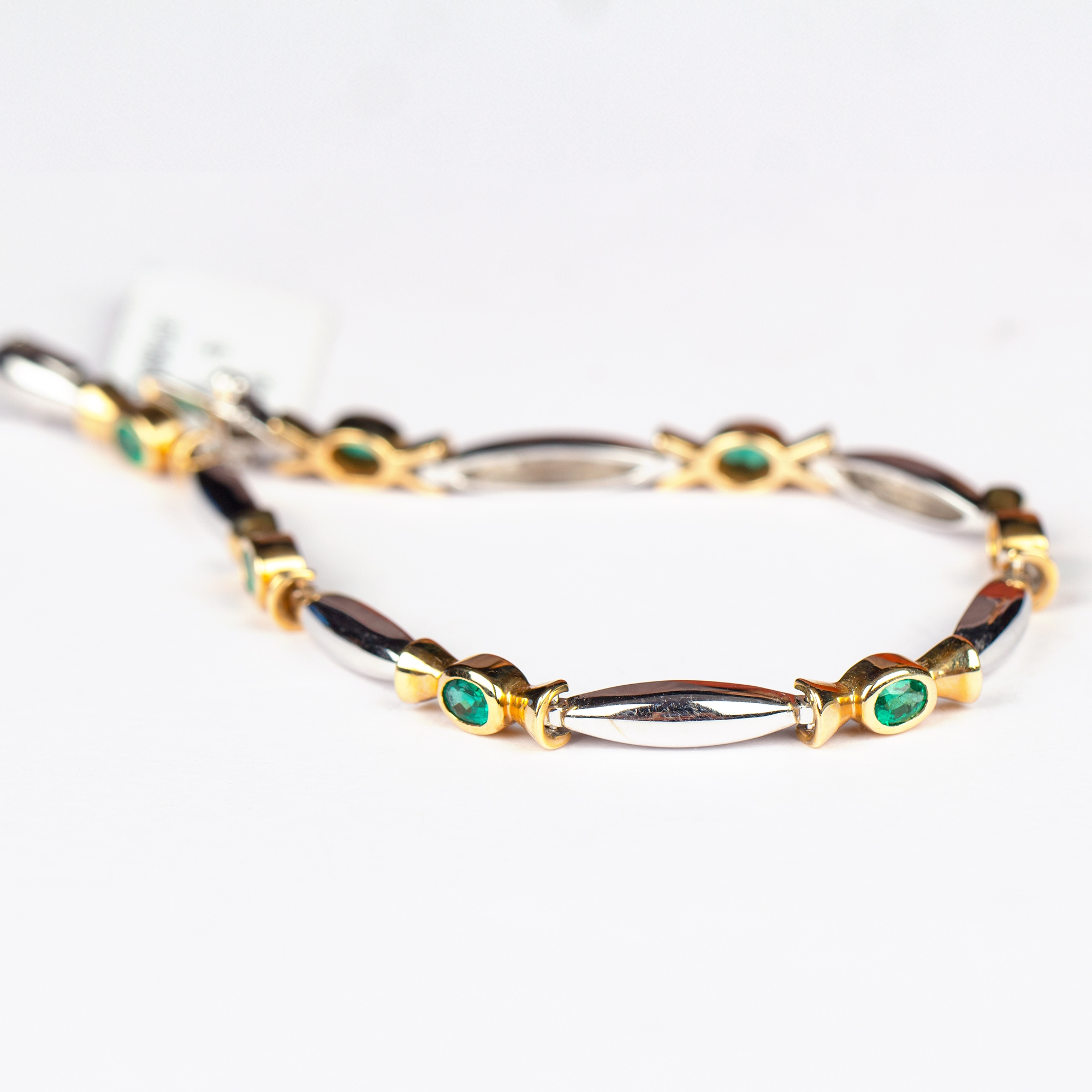 1.50 CT Oval Cut Emerald and Gold Minimal Link Bracelet