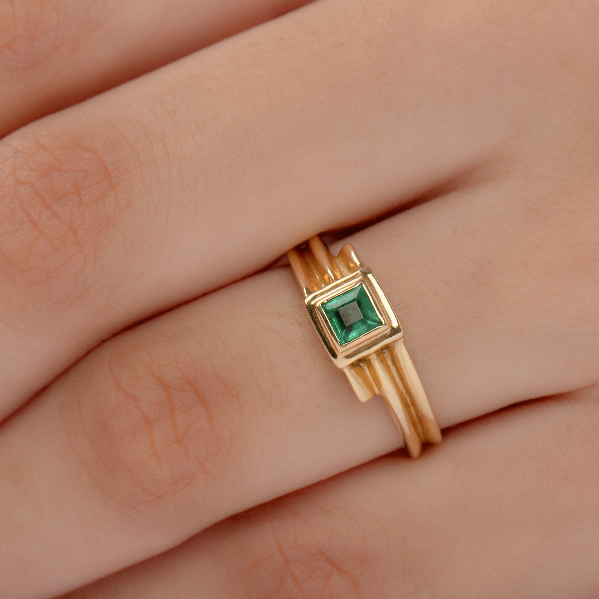 May Birthstone 2.50 CT Princess Cut Emerald Solitaire Ring in Bezel Setting