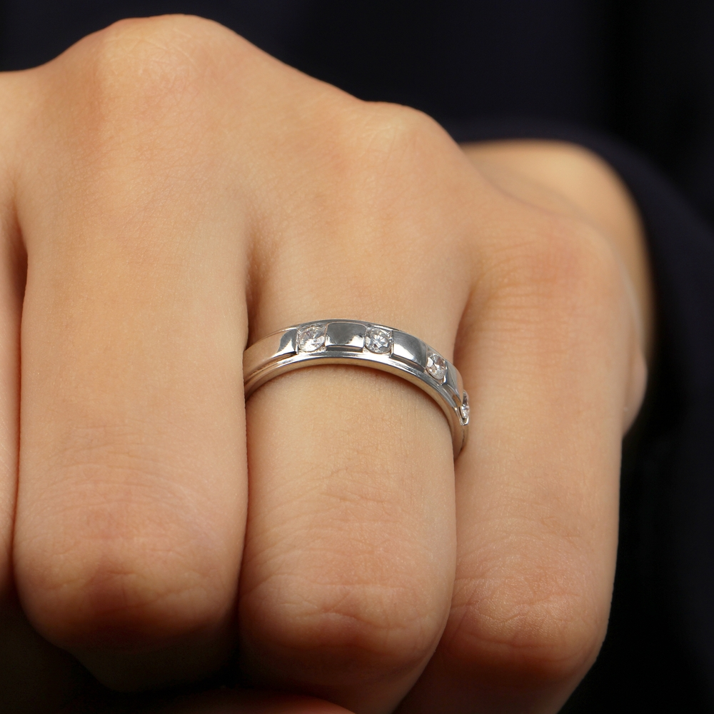2.50X2.50 MM Round Shape Diamond Simple Band Ring in Channel Setting