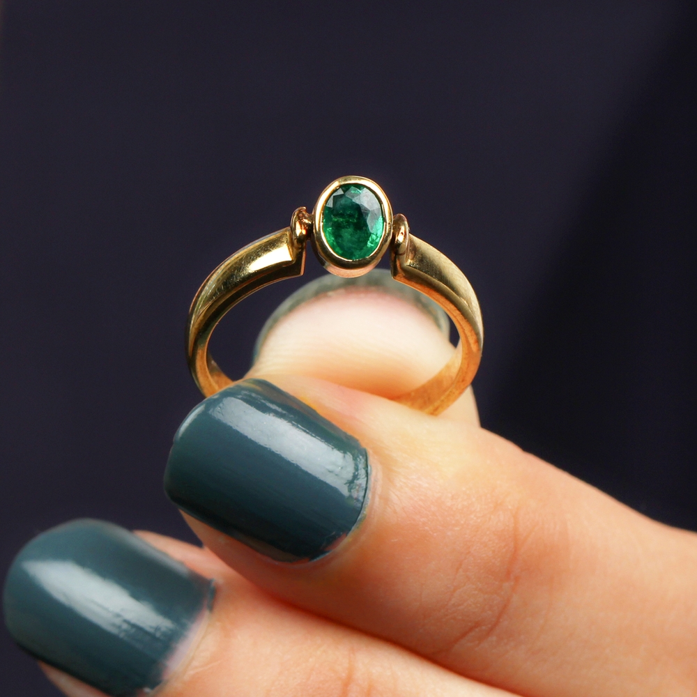 May Birthstone 5X4 MM Oval Cut Emerald Solitaire Ring in Bezel Setting