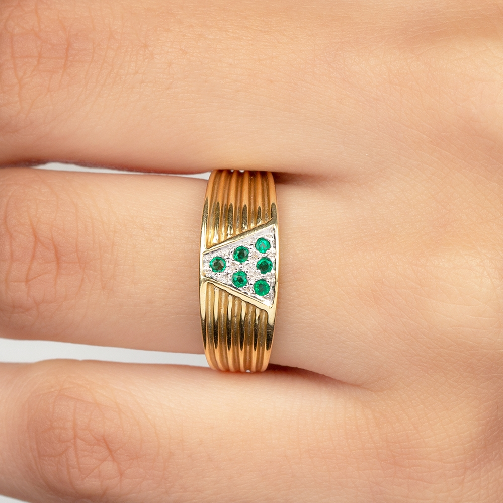Minimal Emerald and Gold Unisex Band Ring