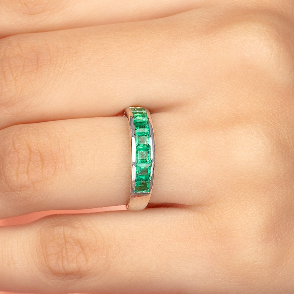 1 CT Princess Cut Emerald and Gold Band Ring in Channel Setting